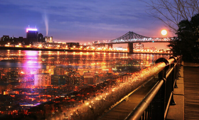 Montreal-Jacques-Cartier-Bridge-and-River